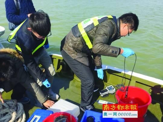 前郭县市场监督管理局开展饮用水水源地污染源清理工作