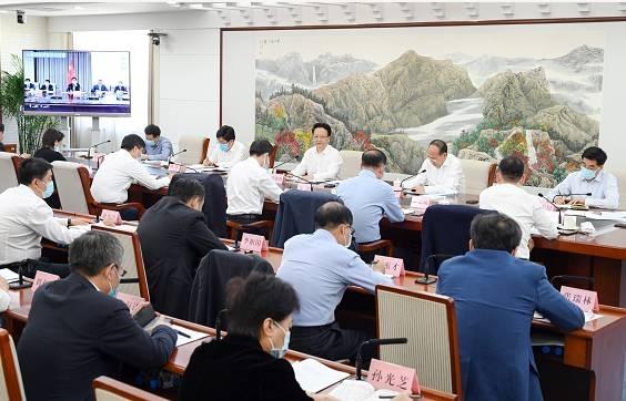 景俊海在省政府专题会议上强调  全力推动通航产业做大做强  为走出振兴发展新路赋能增效