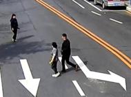 """有人质疑监控的清晰度——""""横穿马路也拍不清我"""" 你错了!"""