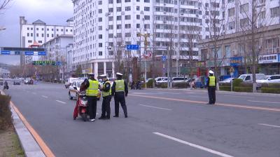 集安市公安局交通管理大队开展电动车专项整治行动