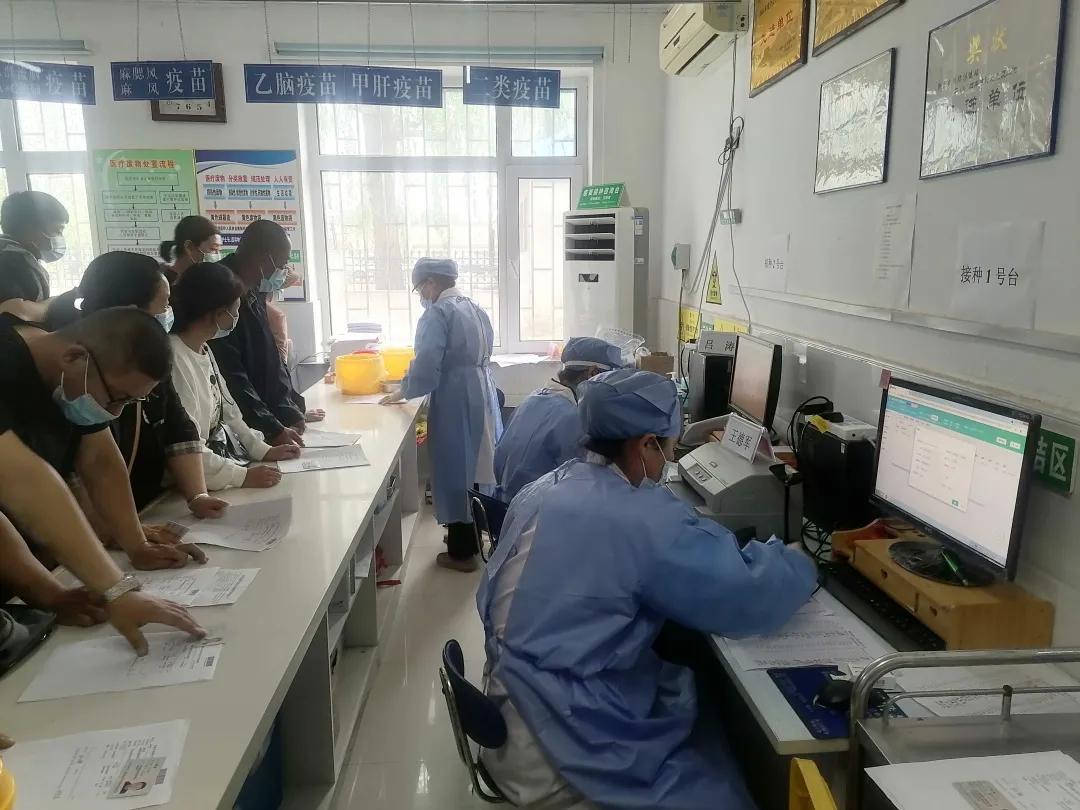 【众志成城 防控疫情】前郭县农村各界群众踊跃接种新冠疫苗