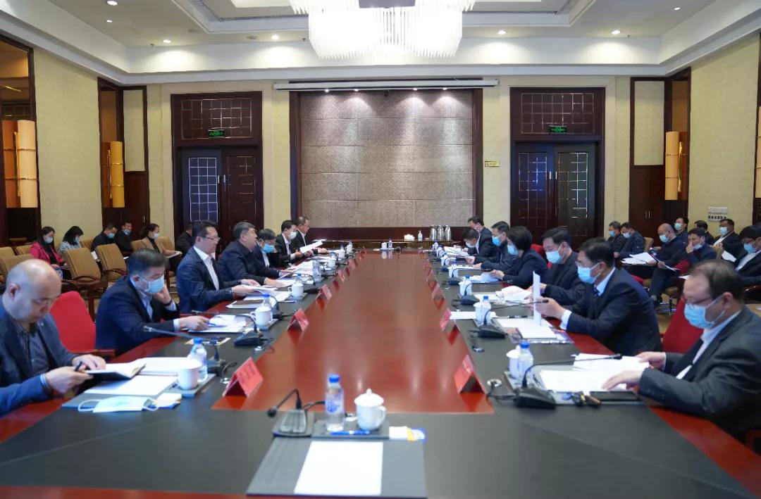 前郭县委全面依法治县委员会召开第三次会议