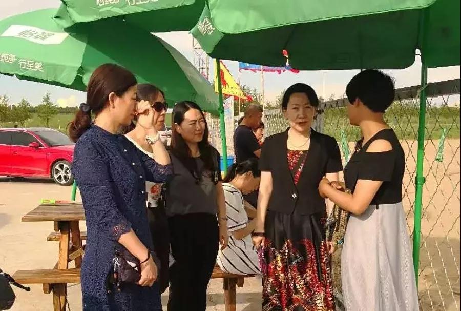 省妇联视察组来前郭县视察农家乐乡村休闲旅游项目